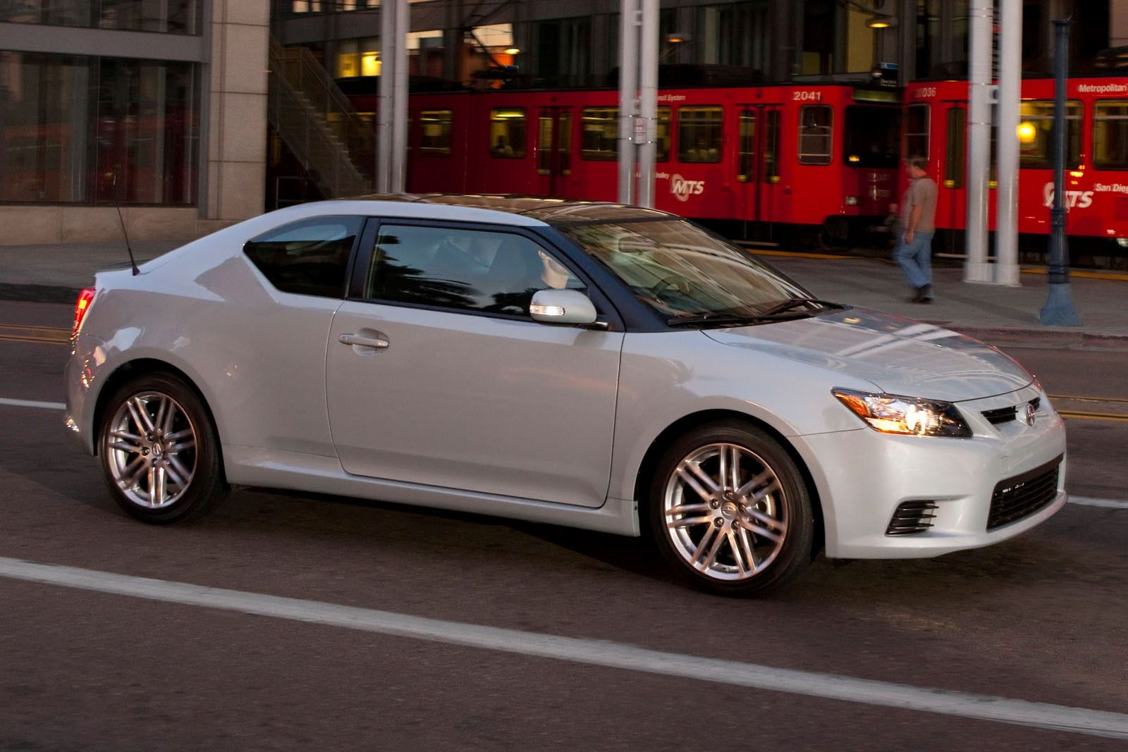 2013 Scion Tc #21