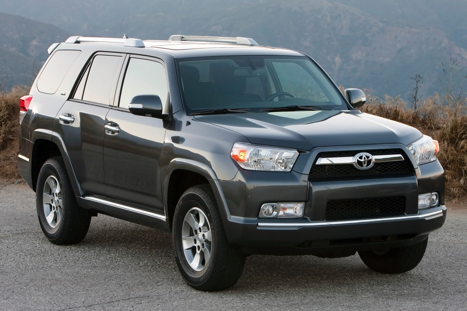 2013 toyota 4runner photos informations articles. Black Bedroom Furniture Sets. Home Design Ideas