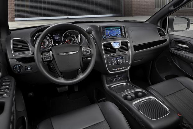 2014 Chrysler Town And Country #25