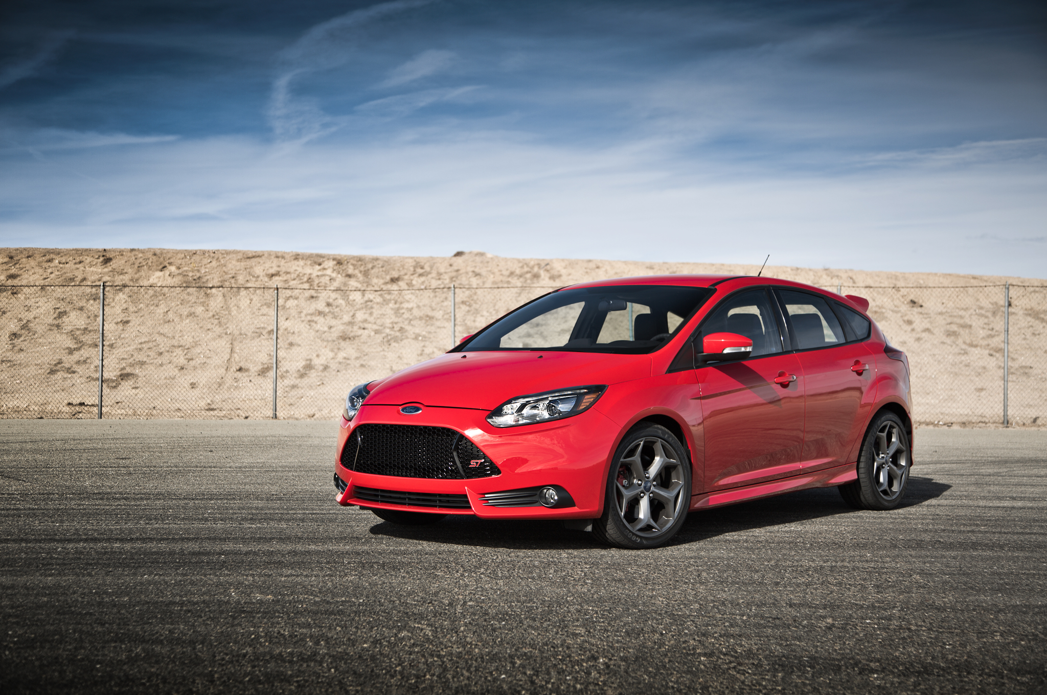 2014 Ford Focus St Photos Informations Articles Frame 15