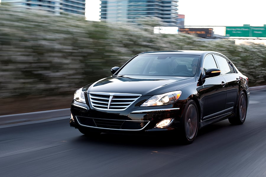 2014 hyundai genesis photos informations articles. Black Bedroom Furniture Sets. Home Design Ideas