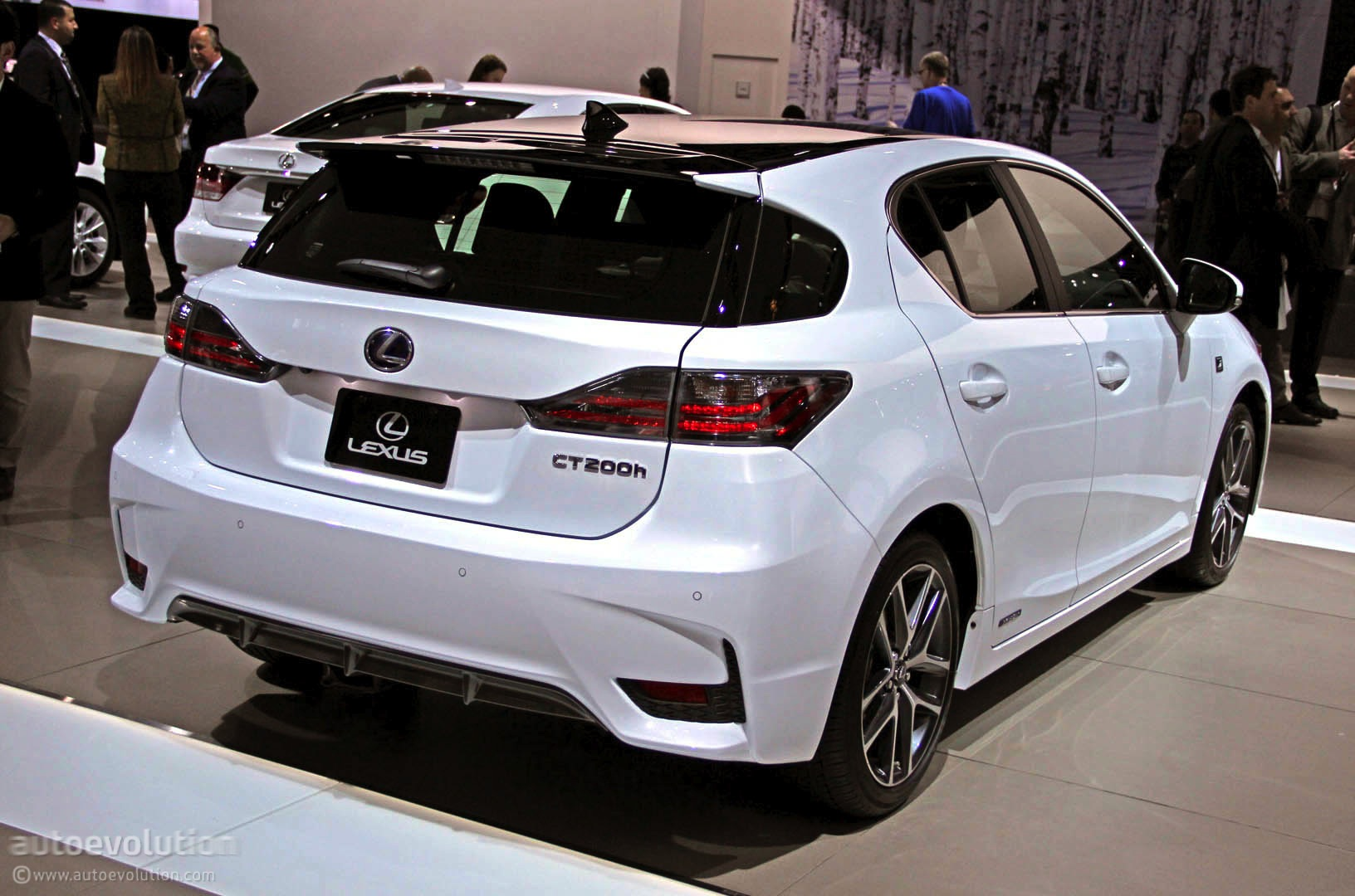 2014 lexus ct 200h photos informations articles. Black Bedroom Furniture Sets. Home Design Ideas