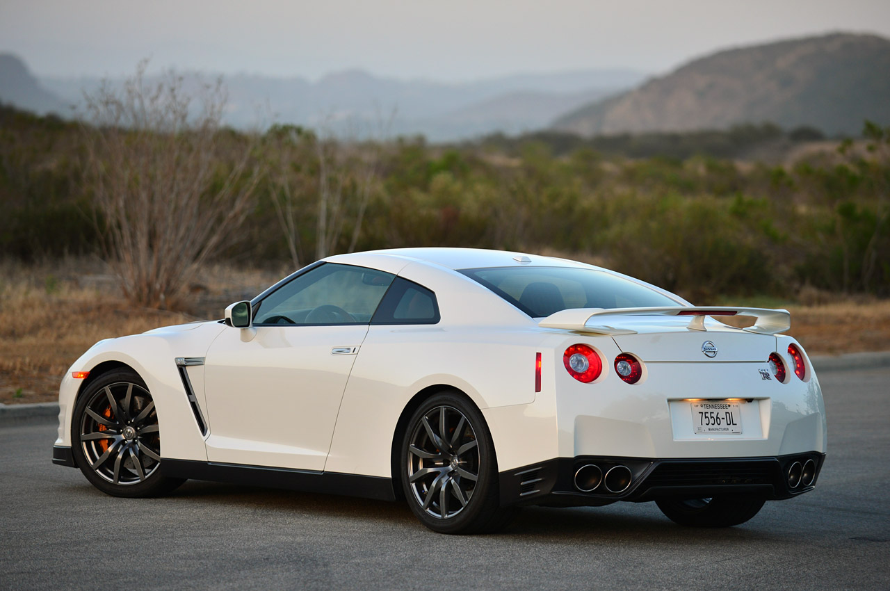2014 Nissan Gt-r Photos, Informations, Articles - BestCarMag.com