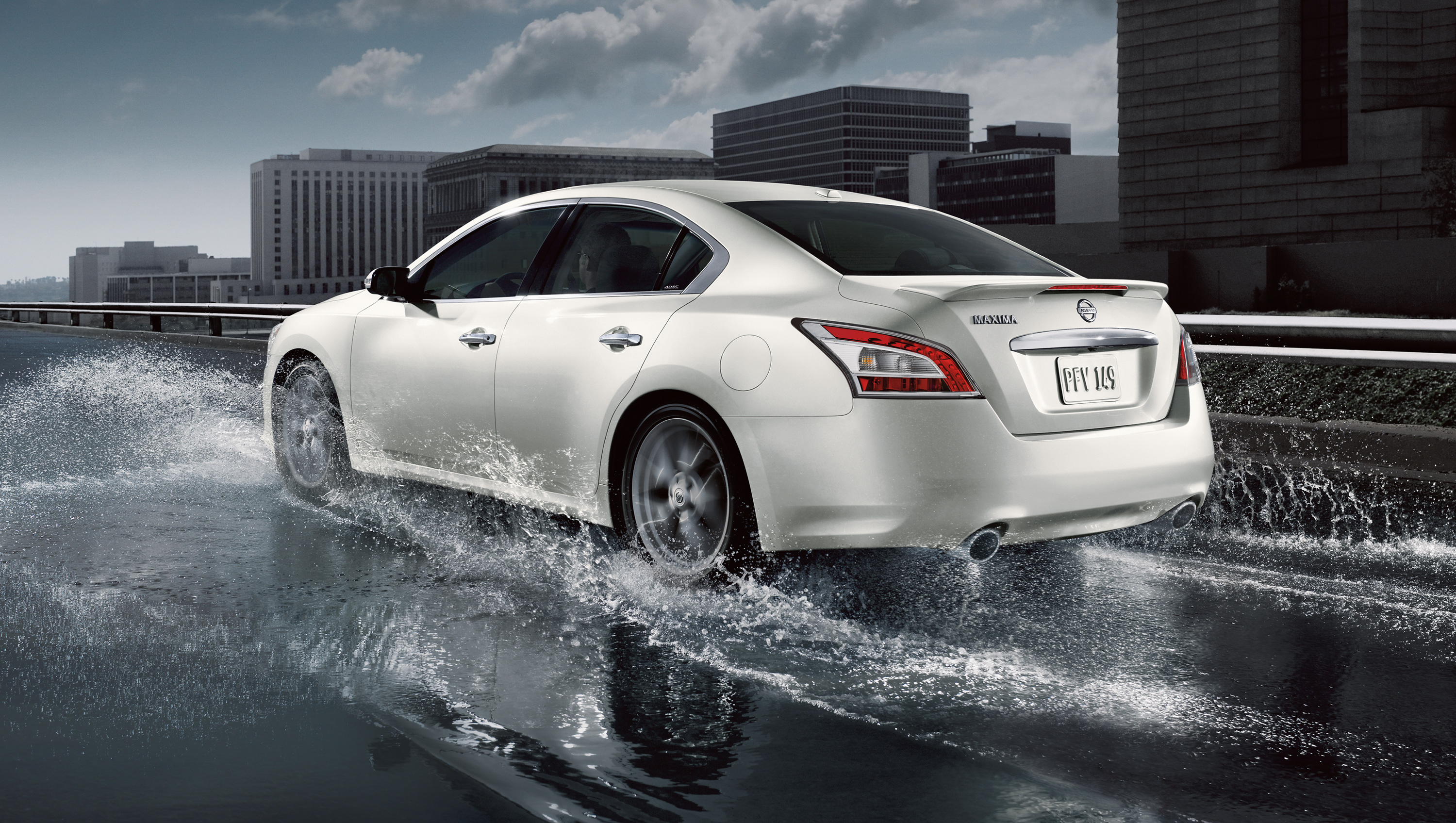 price money story s maxima cars up nissan warming to review sedan new
