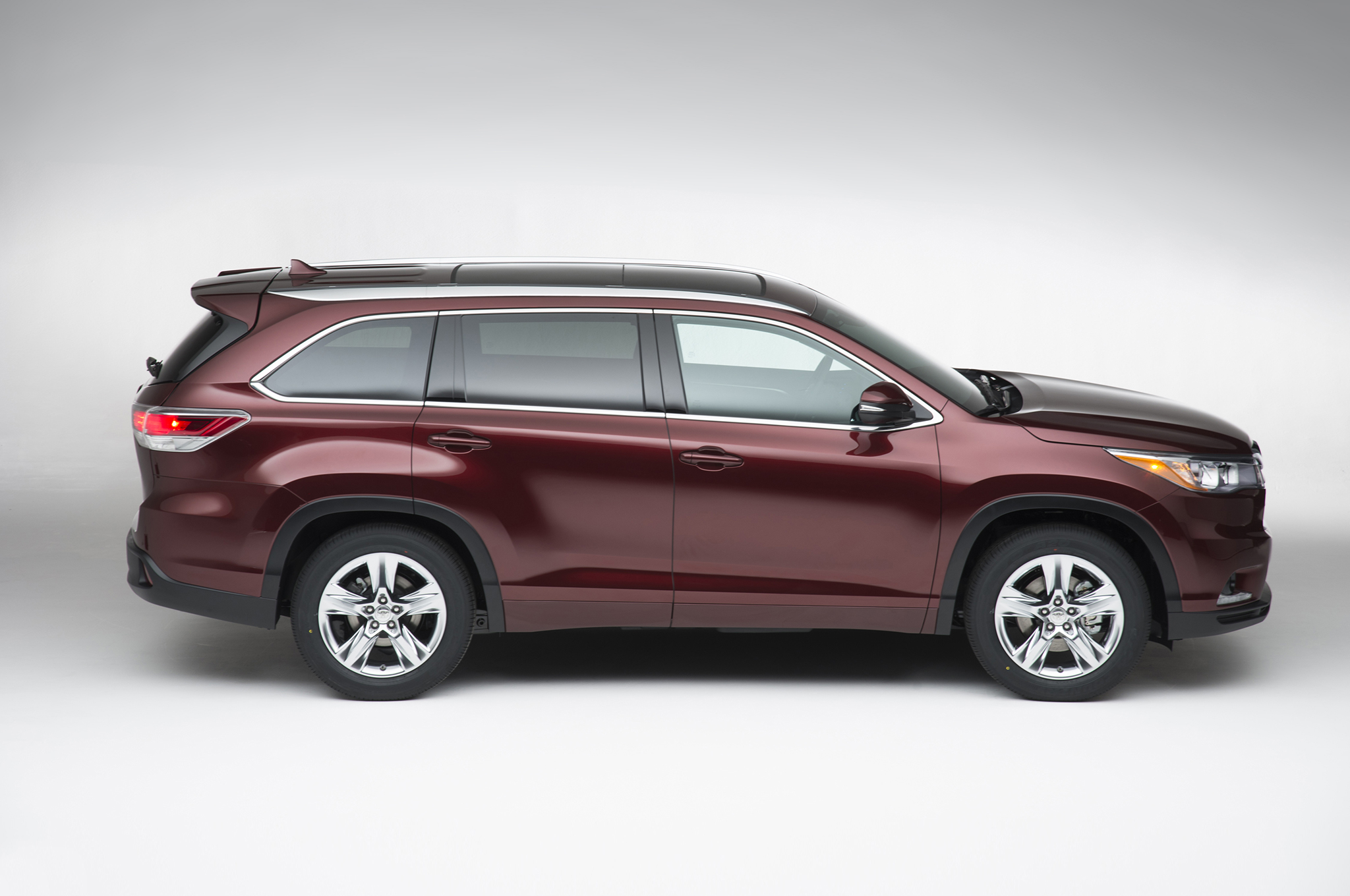 insurance you cars pin highlander msrp suv are features pricing hybrid info viewing toyota