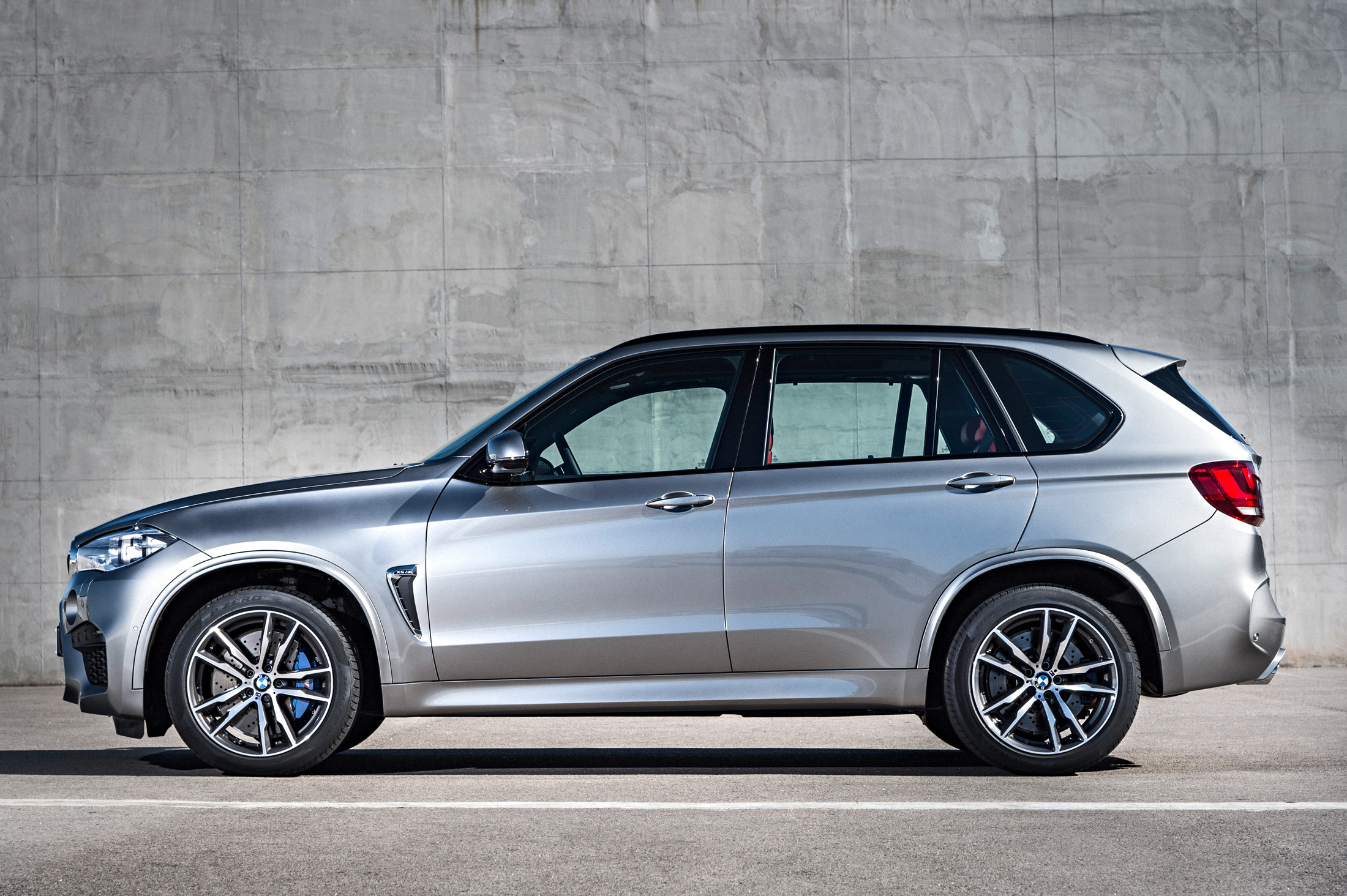 bmw first m front motor en news trend look end
