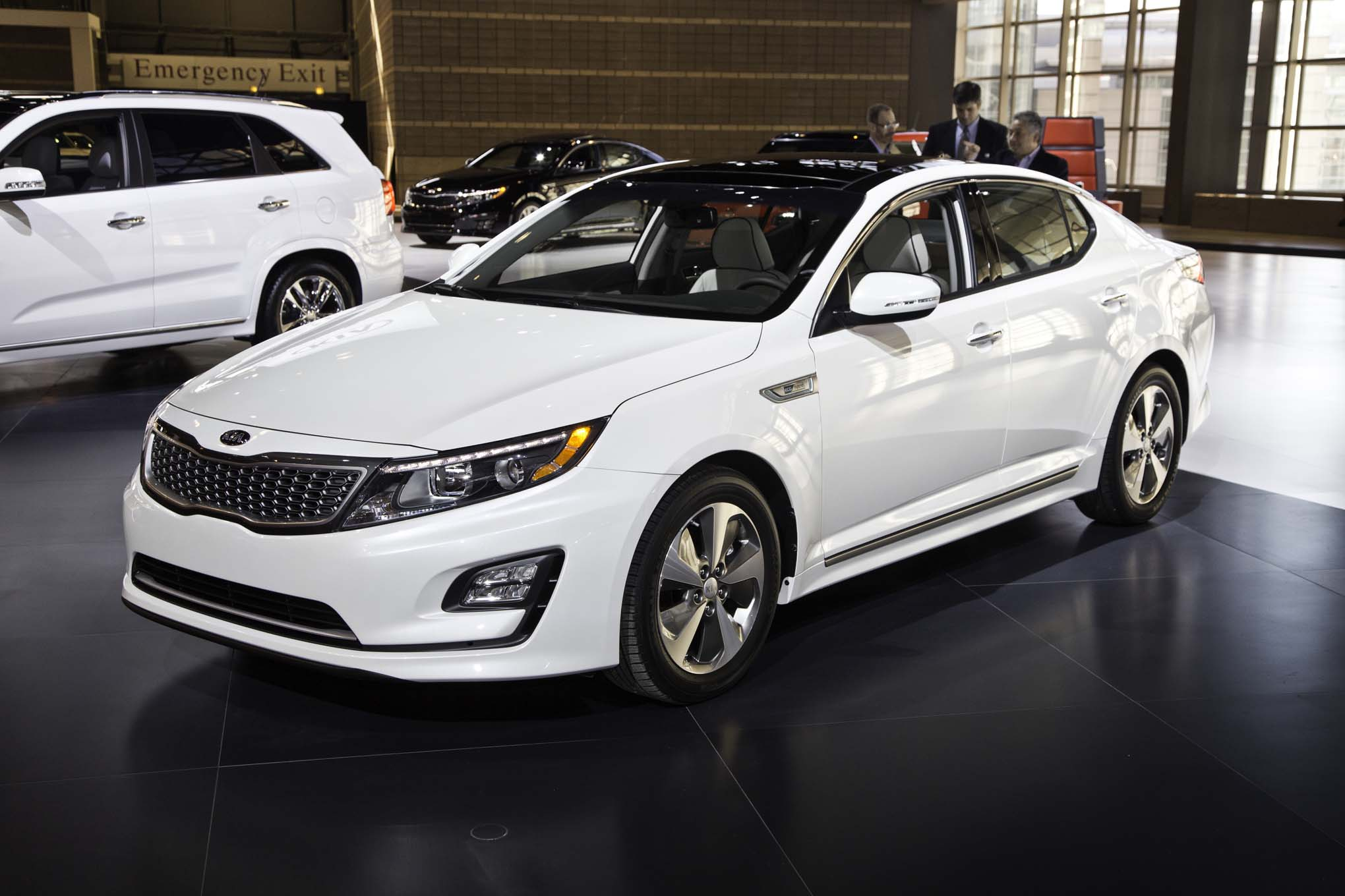 2015 kia optima hybrid photos informations articles. Black Bedroom Furniture Sets. Home Design Ideas