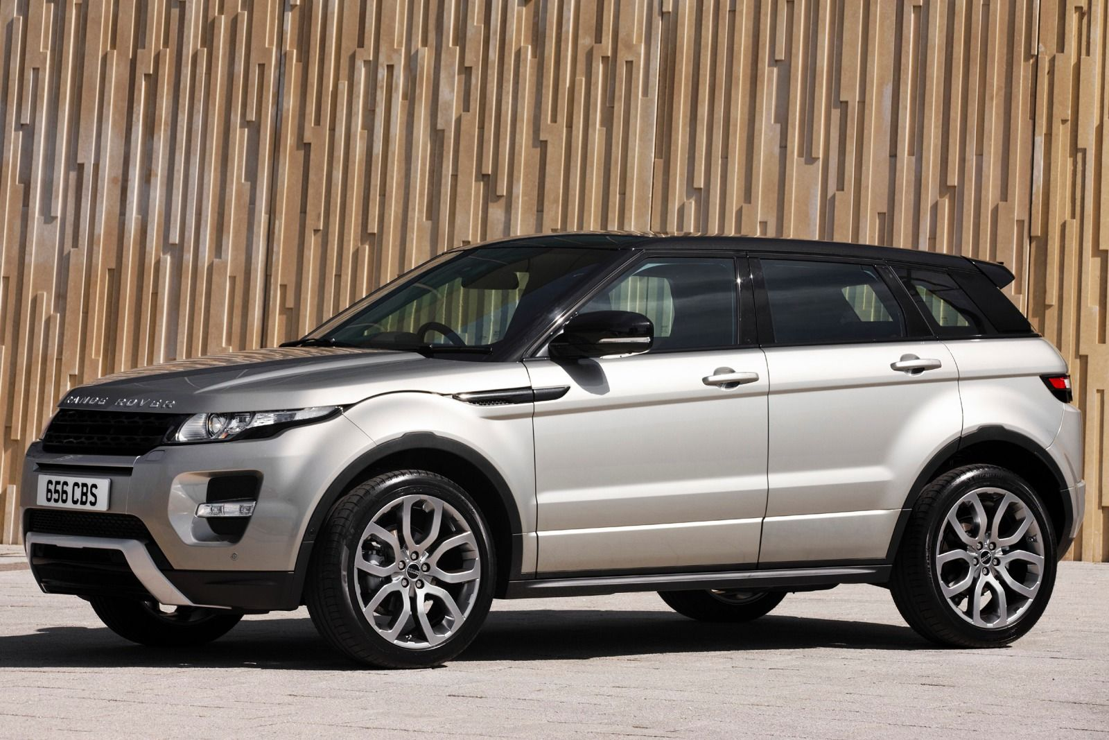 2015 land rover range rover evoque photos informations articles. Black Bedroom Furniture Sets. Home Design Ideas