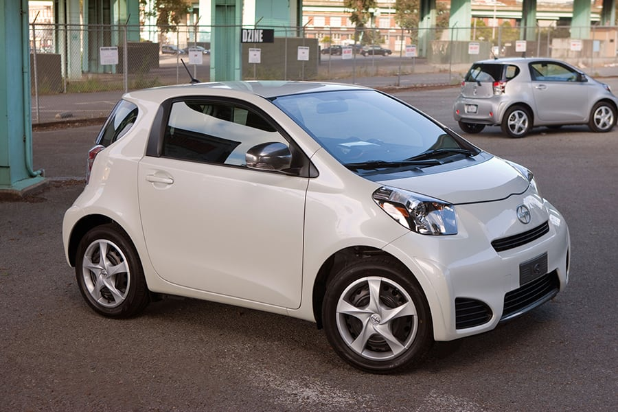 2015 Scion Iq #17