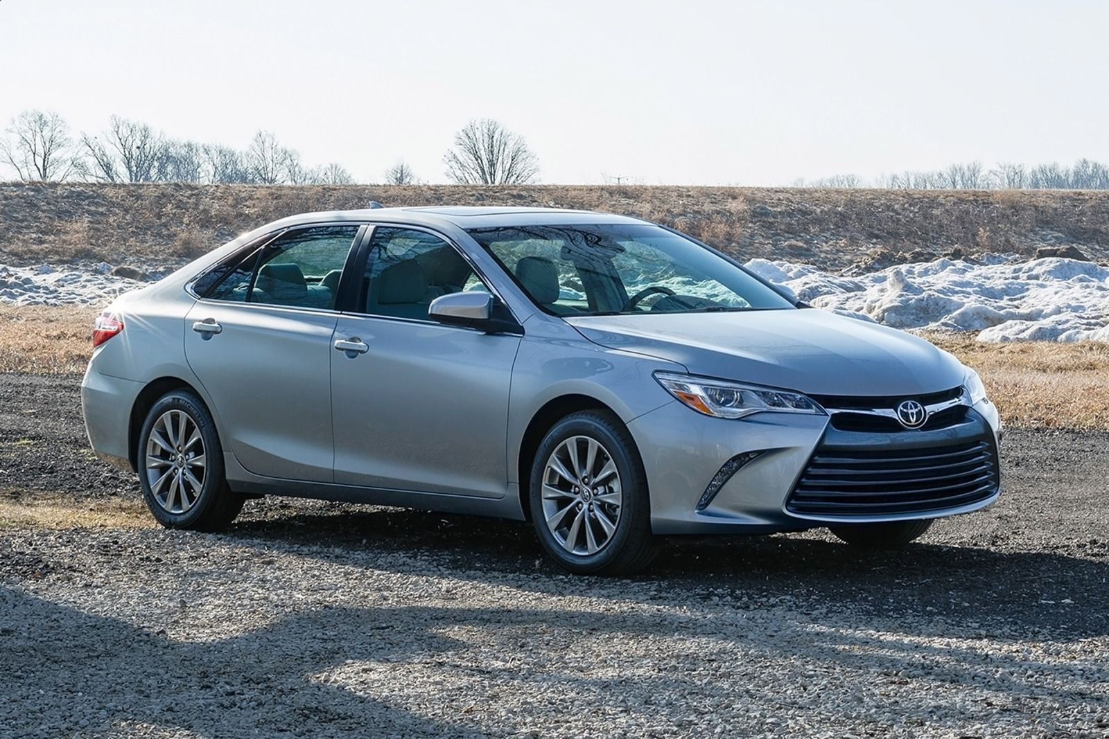2015 Toyota Camry Photos, Informations, Articles - BestCarMag.com