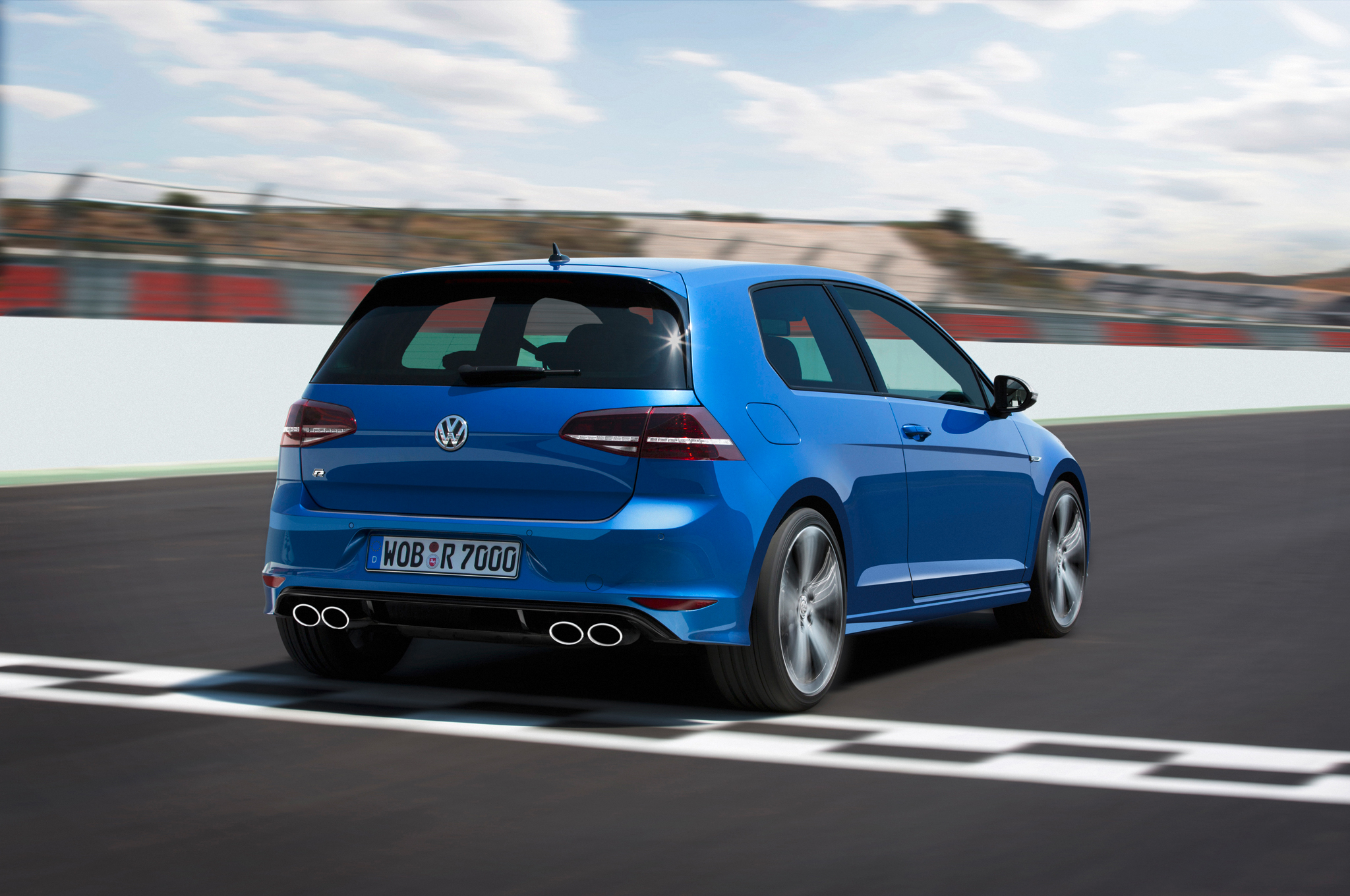 2015 Volkswagen Golf R #20