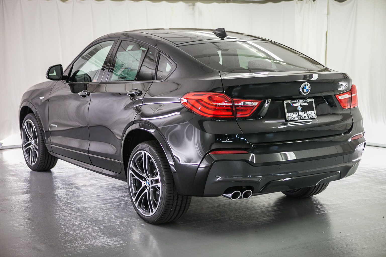 2016 bmw x4 photos informations articles. Black Bedroom Furniture Sets. Home Design Ideas