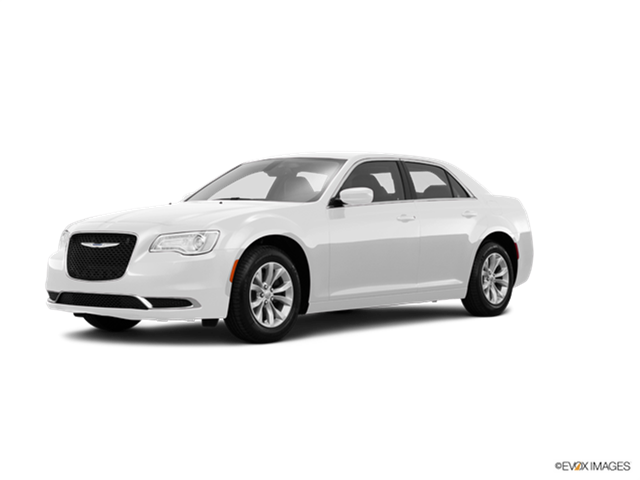 2016 Chrysler 300 #13