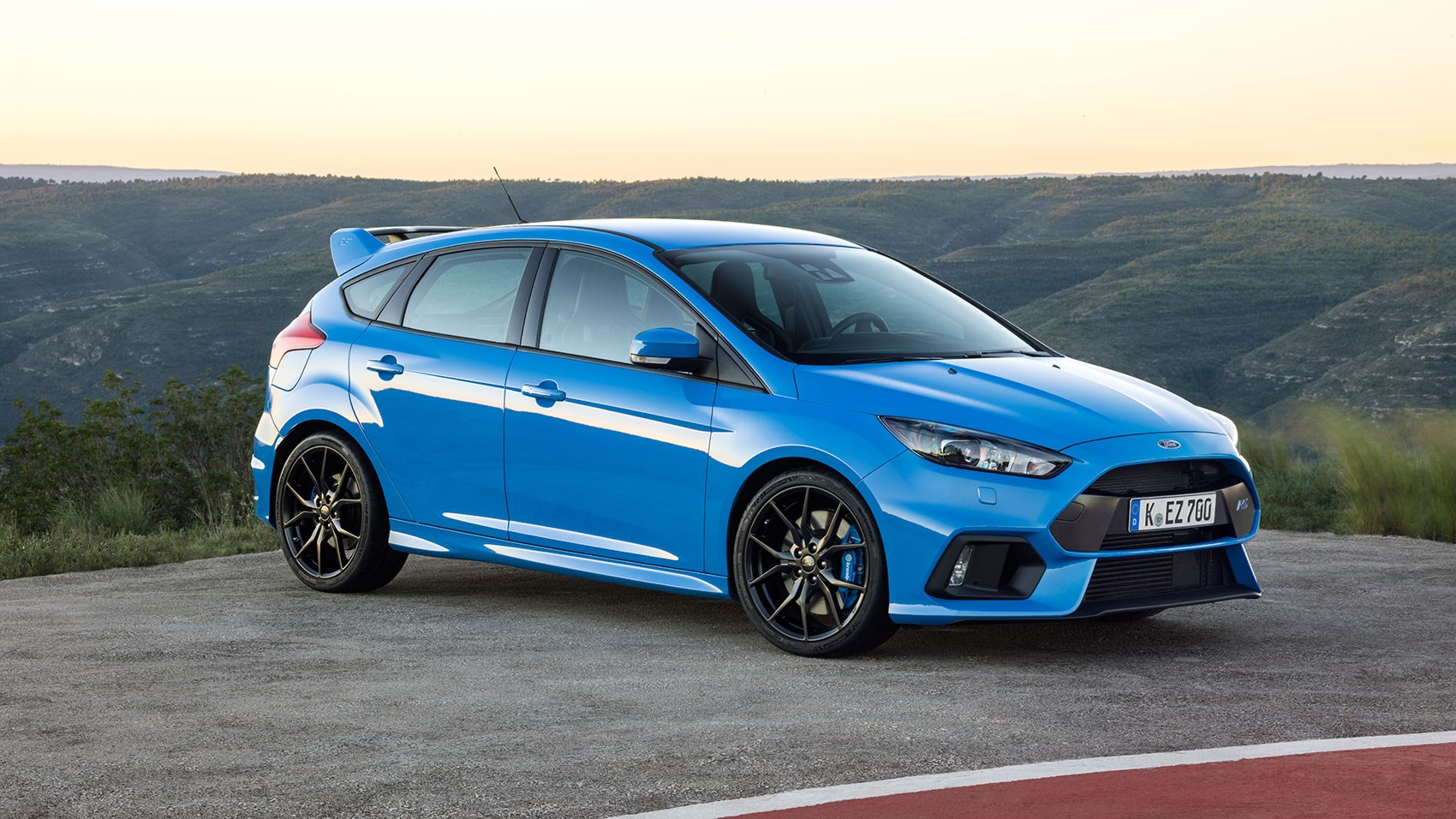2016 Ford Focus Rs #4