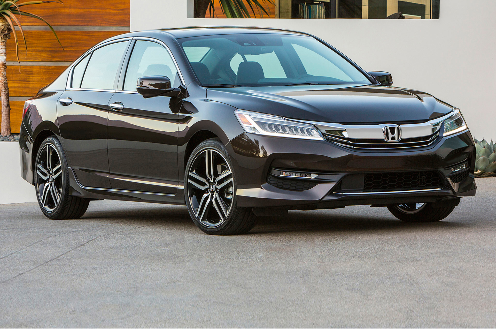 2016 Honda Accord #1