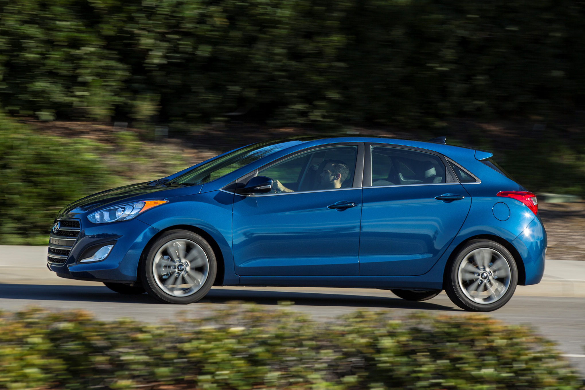 elantra news gt window controls the hyundai wheel overview