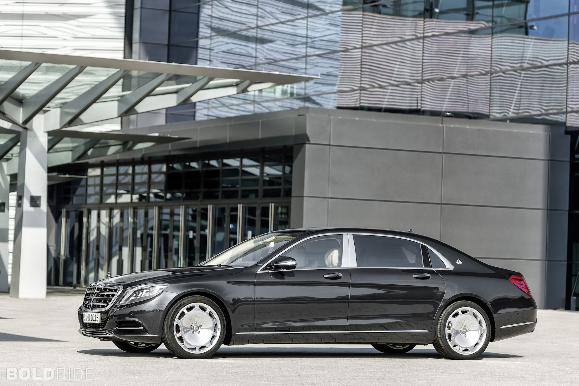 2016 Mercedes-Benz Maybach #23