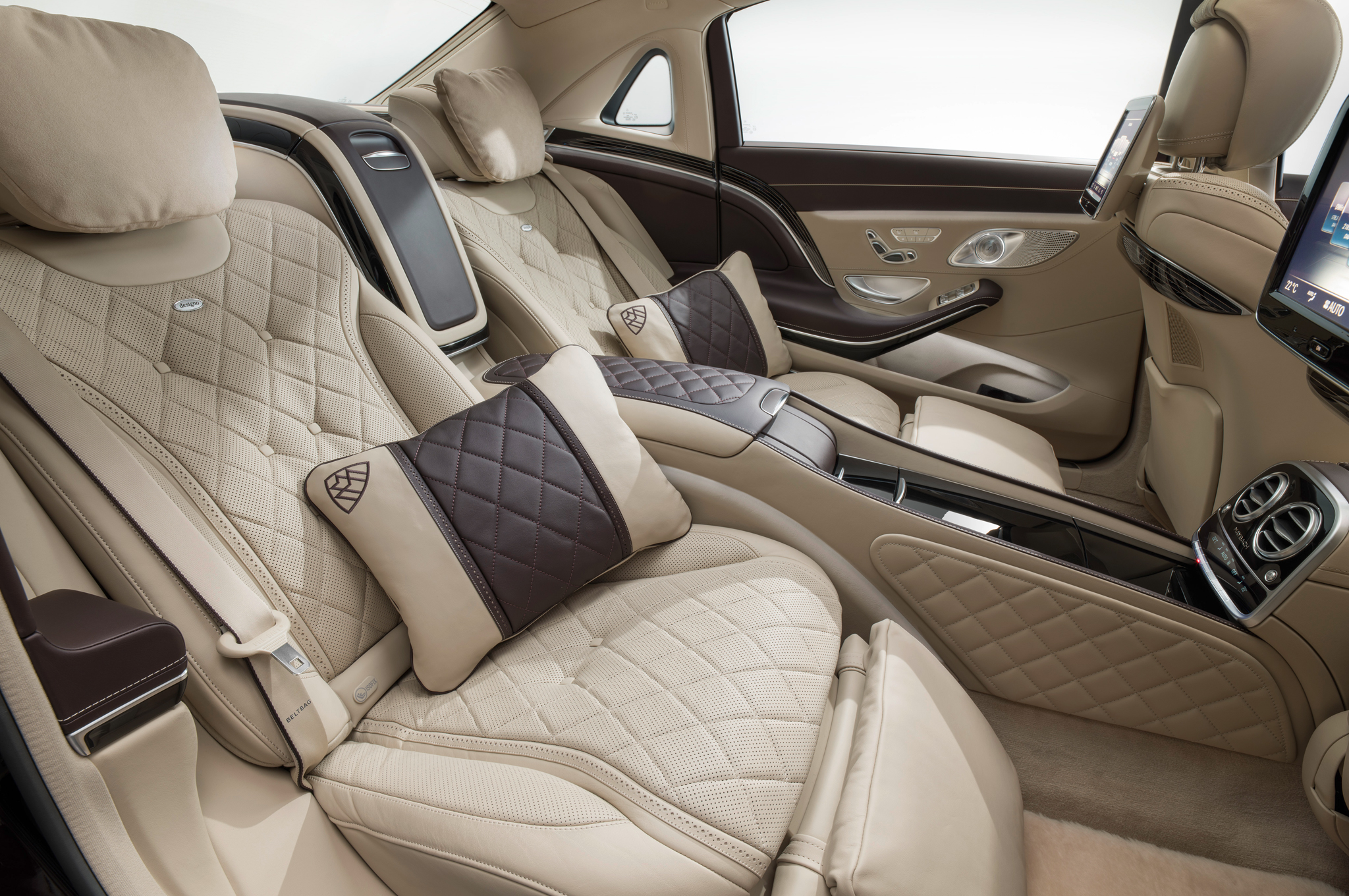 2016 Mercedes-Benz Maybach #20