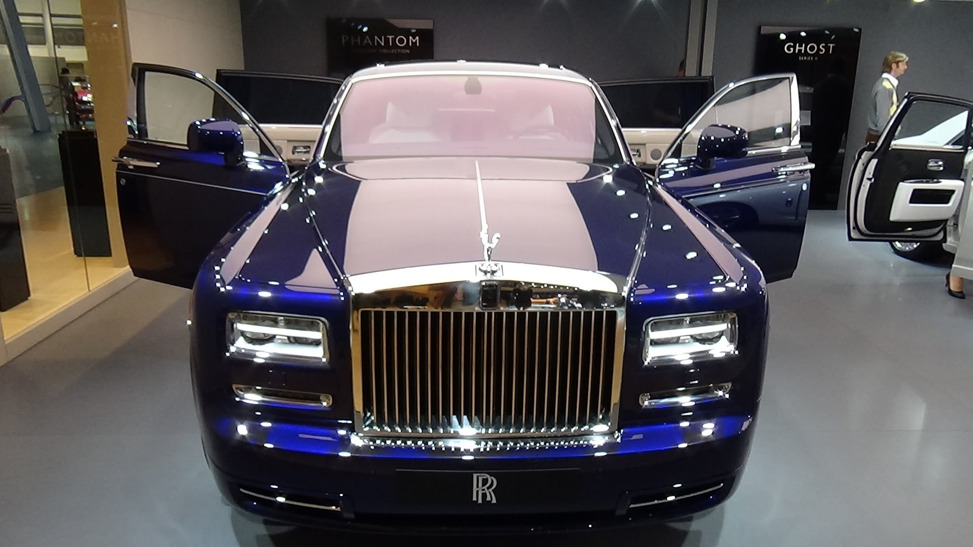 2016 rolls royce phantom photos informations articles for Rolls royce ghost interior