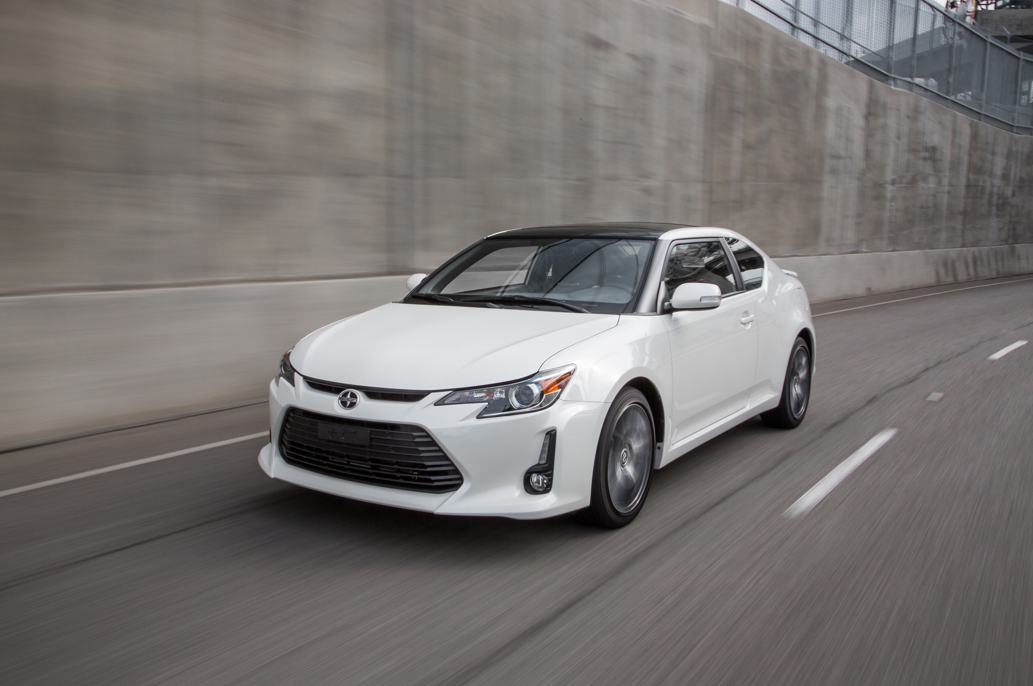 2016 Scion Tc #9