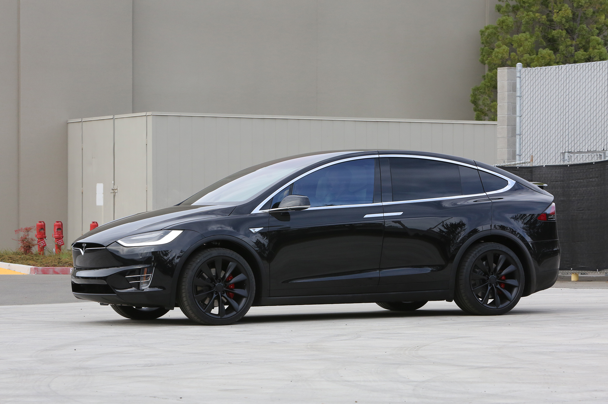 2016 tesla model x photos informations articles. Black Bedroom Furniture Sets. Home Design Ideas