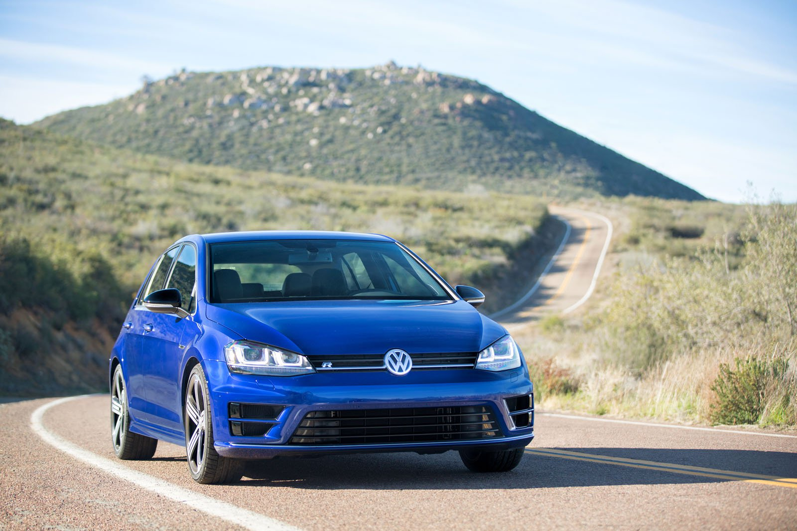 2016 Volkswagen Golf R #11