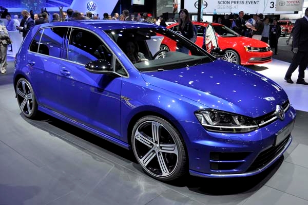 2016 Volkswagen Golf R #15
