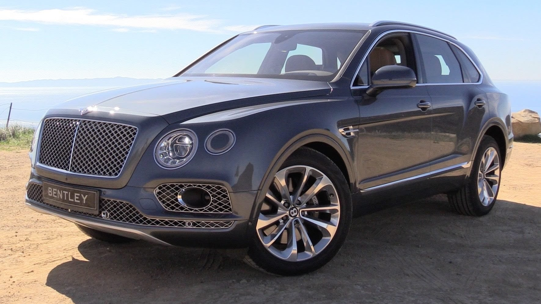2017 Bentley Bentayga 3
