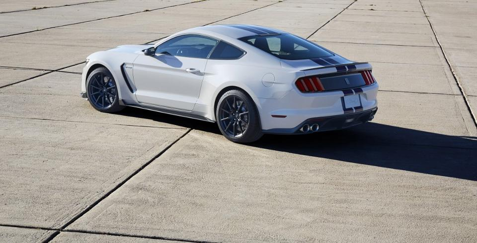 2017 Ford Shelby Gt350 12