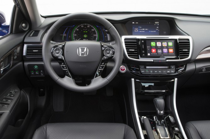 2017 Honda Accord #3