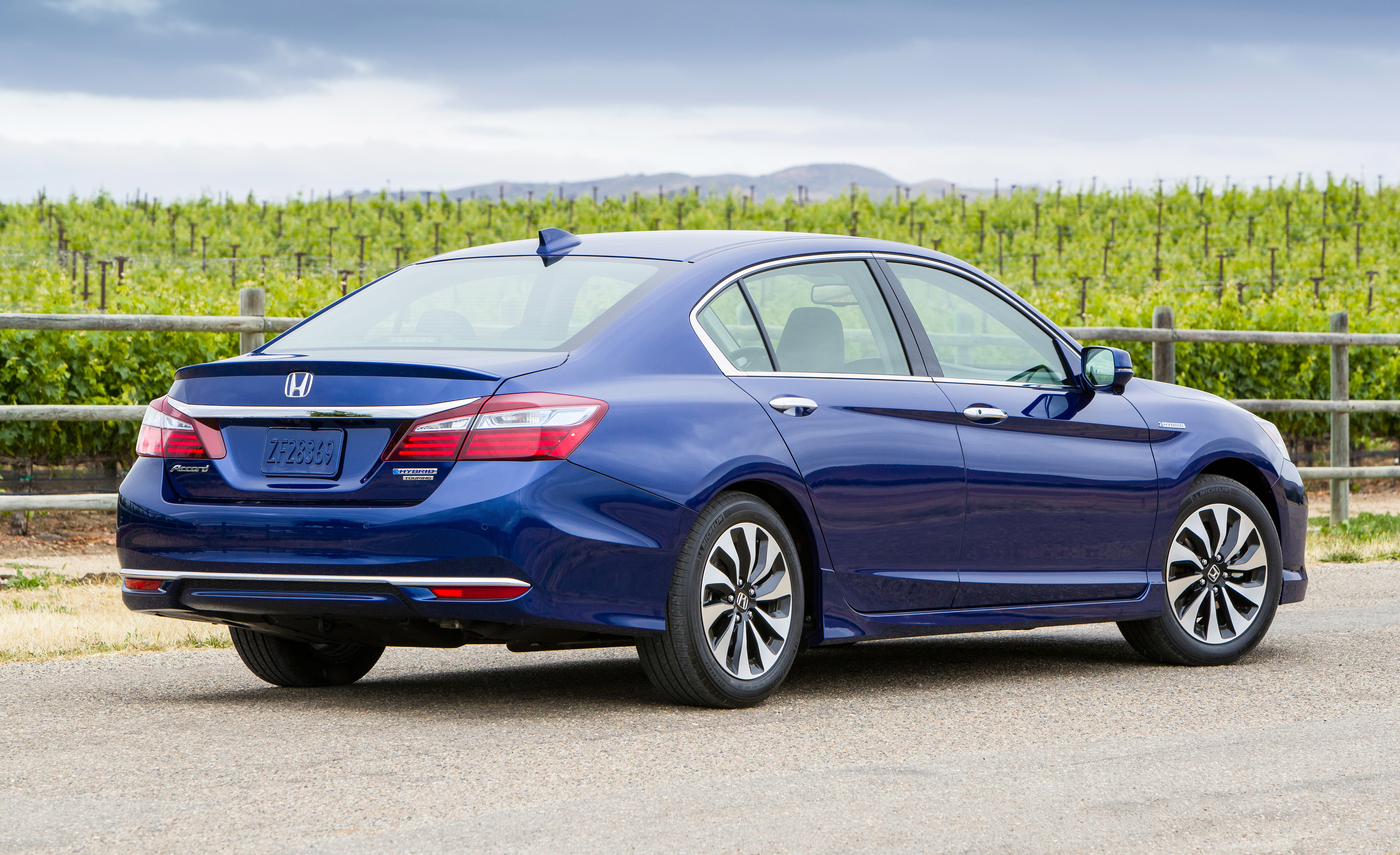 hybrid promised higher news honda sdn more trunk h accord economy fuel space
