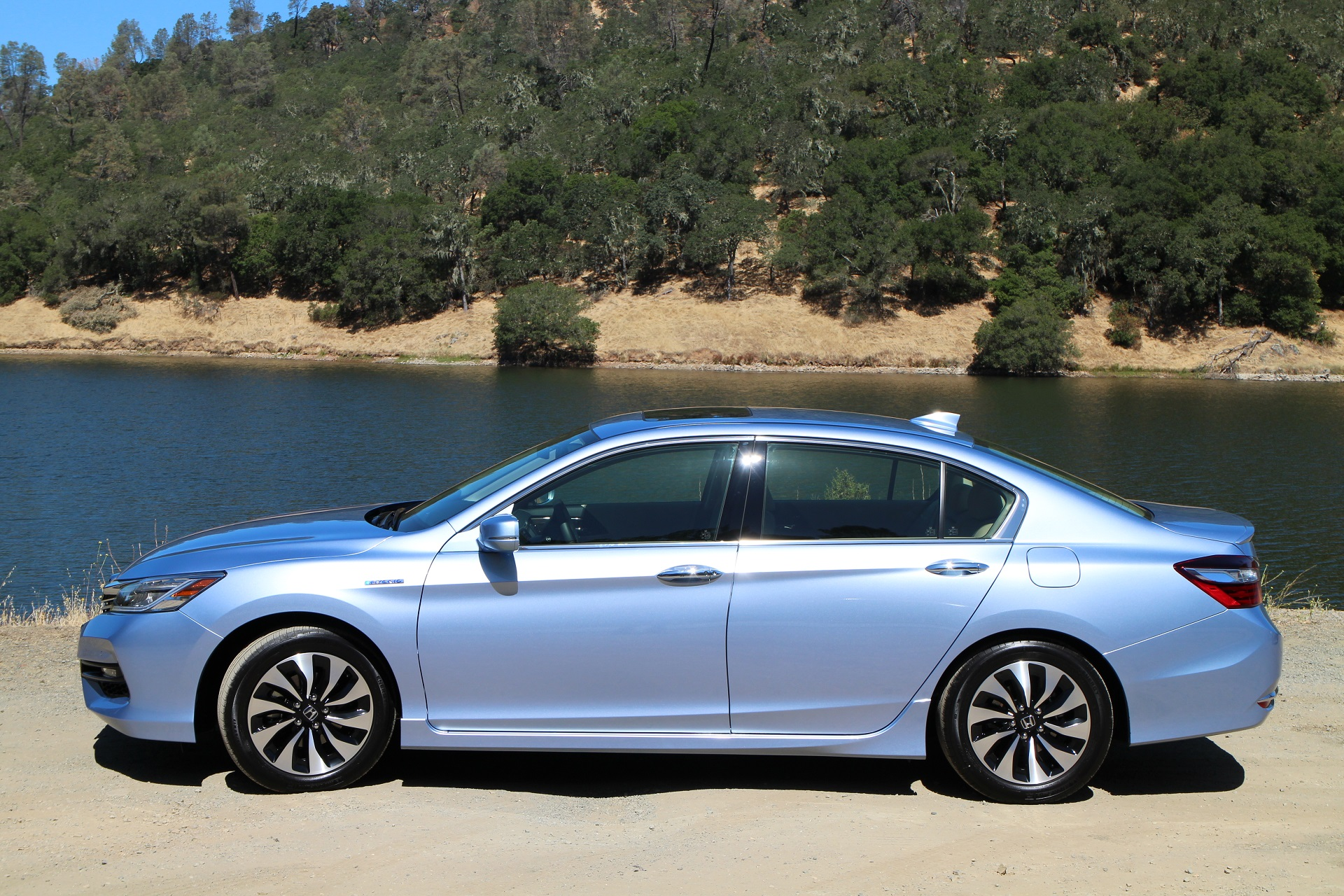 2017 Honda Accord Hybrid #6