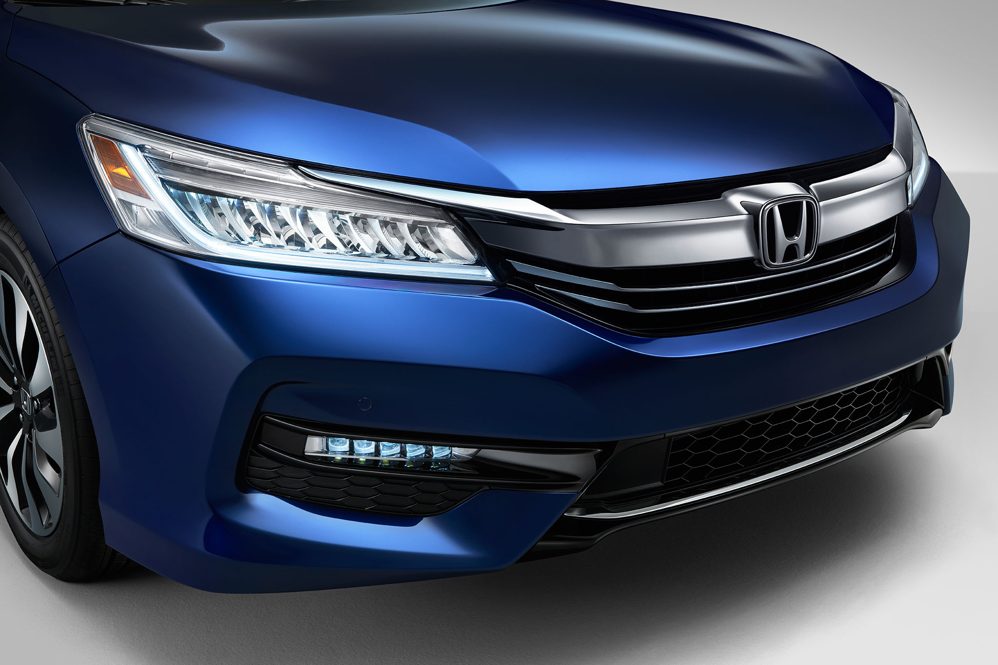 2017 Honda Accord Hybrid #12