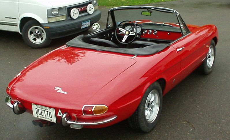 1966 alfa romeo spider photos informations articles. Black Bedroom Furniture Sets. Home Design Ideas