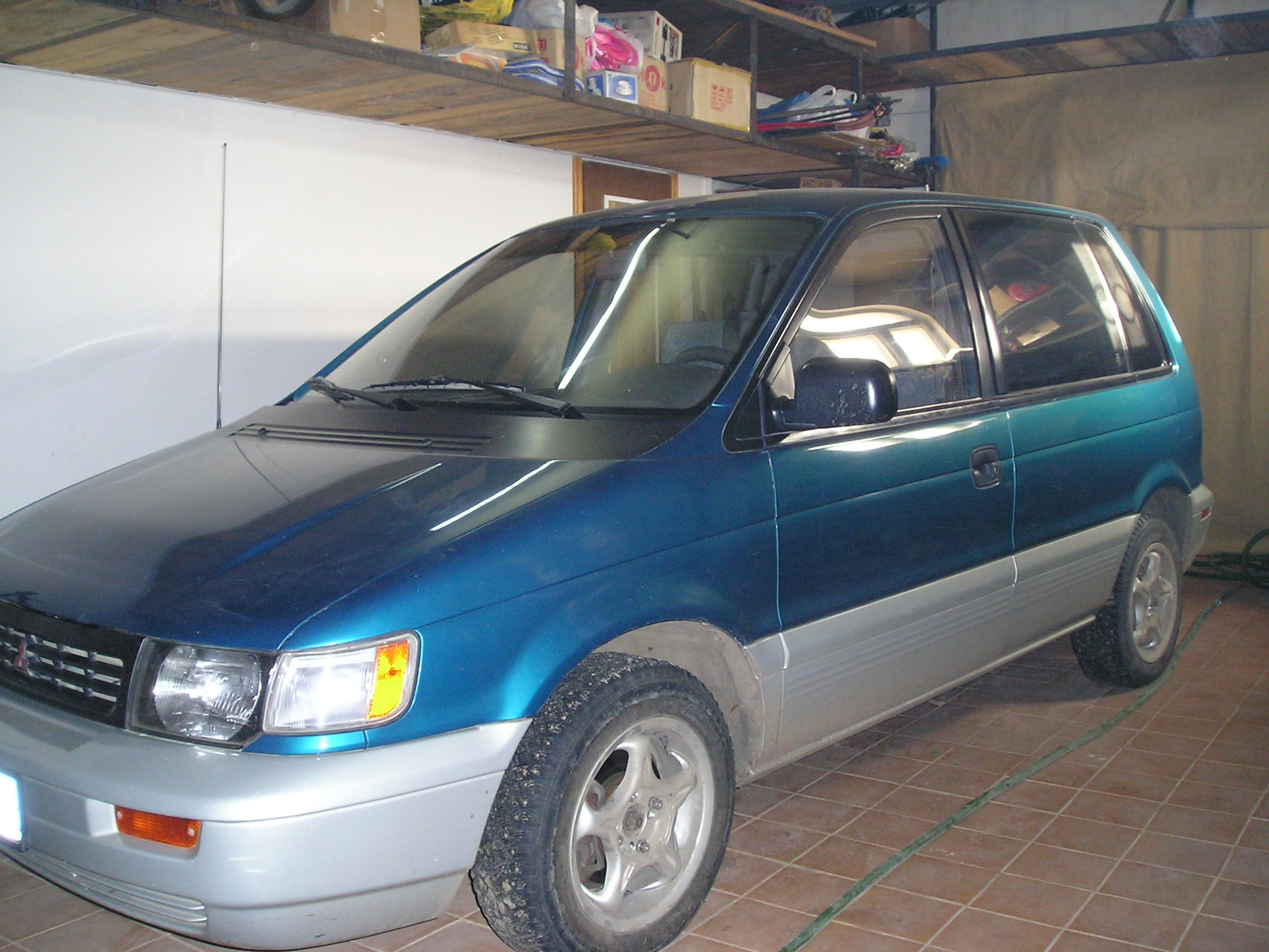 1994 Mitsubishi Space Runner #3