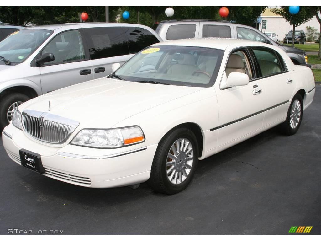 2004 Lincoln Town Car Photos Informations Articles Bestcarmag Com