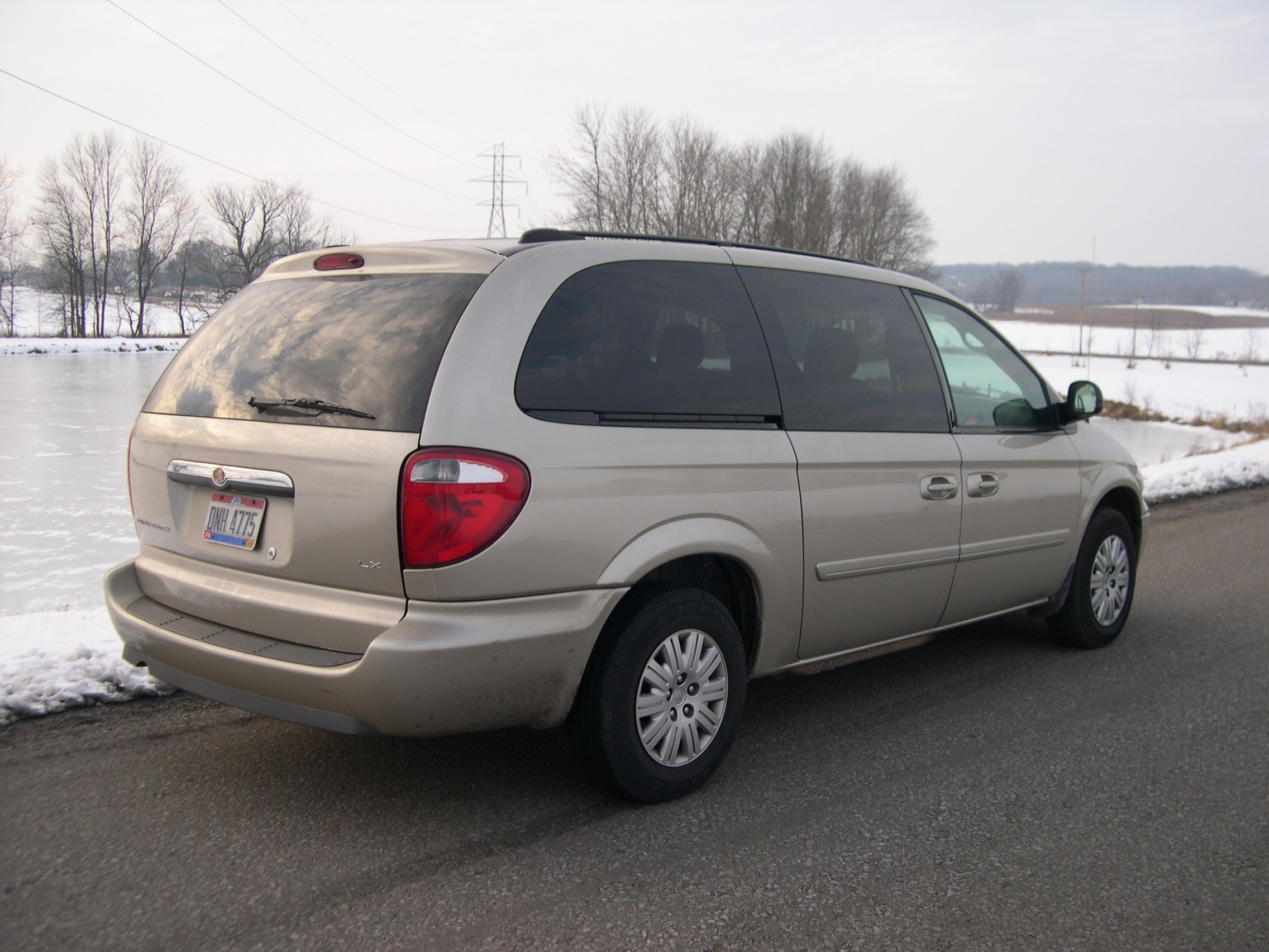 2005 Chrysler Town And Country #6