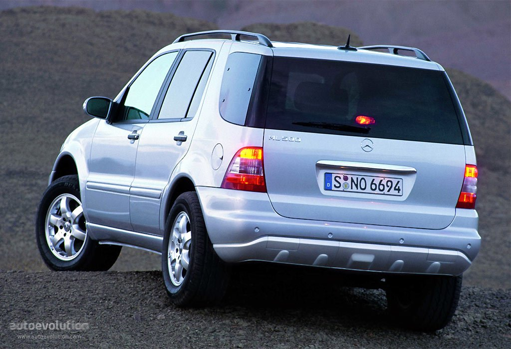 2005 Mercedes-Benz ML #1
