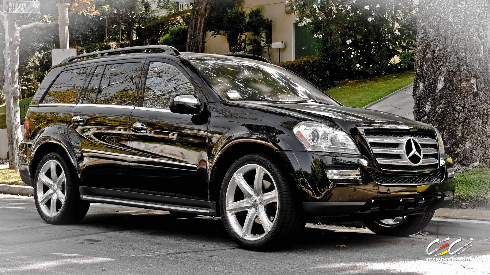 2015 mercedes benz gl class photos informations articles for 2015 mercedes benz gl550