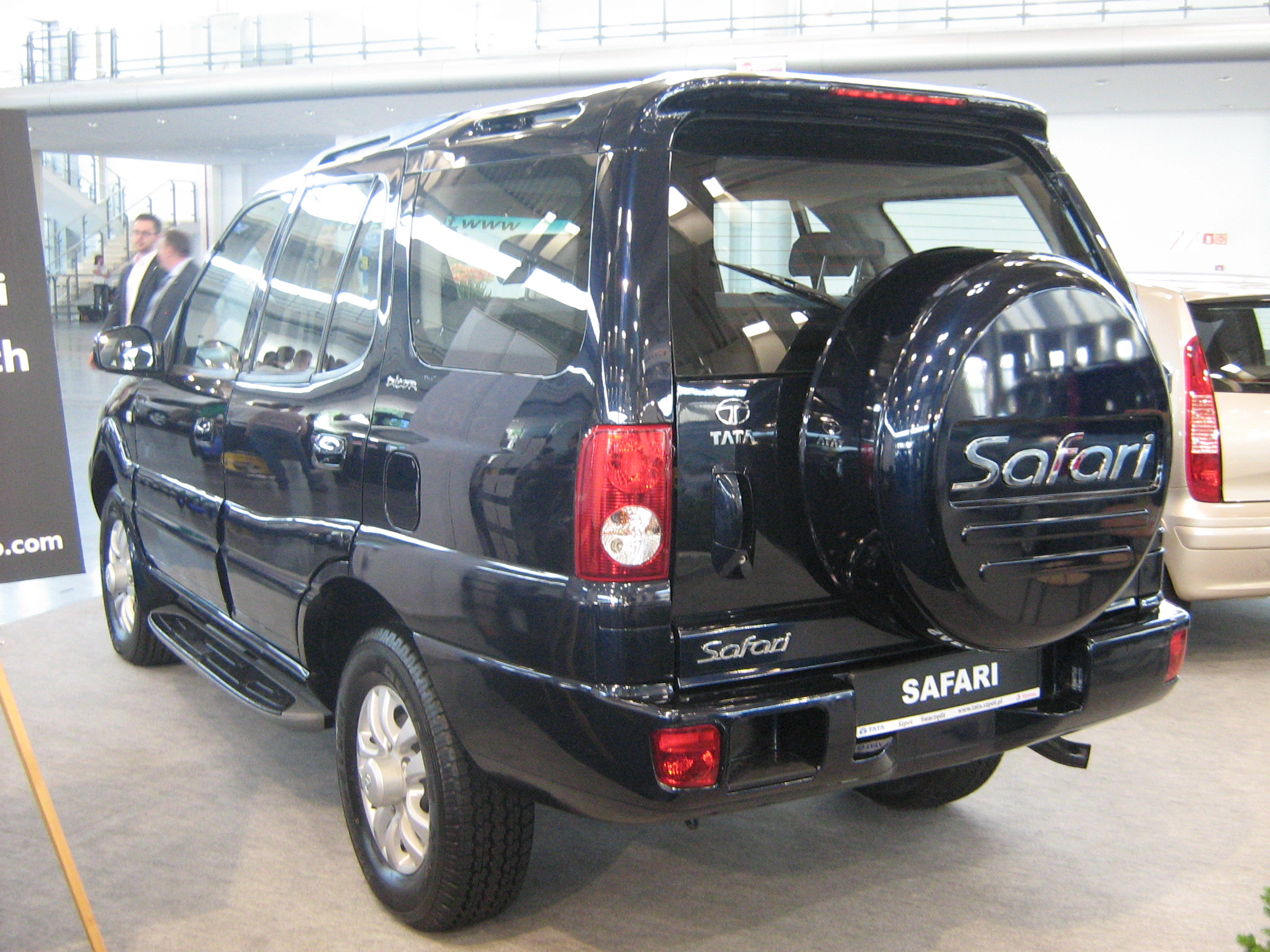 2009 Tata Safari #2