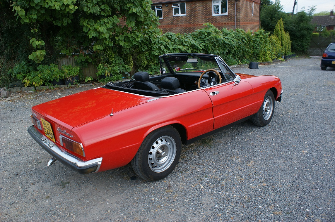 1975 alfa romeo spider photos informations articles. Black Bedroom Furniture Sets. Home Design Ideas