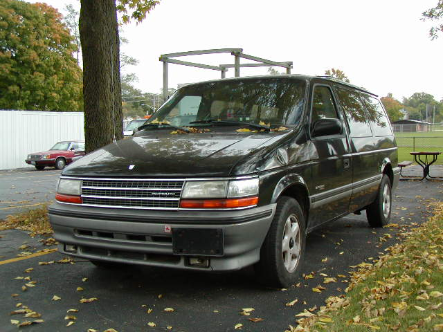 1993 Plymouth Grand Voyager #4
