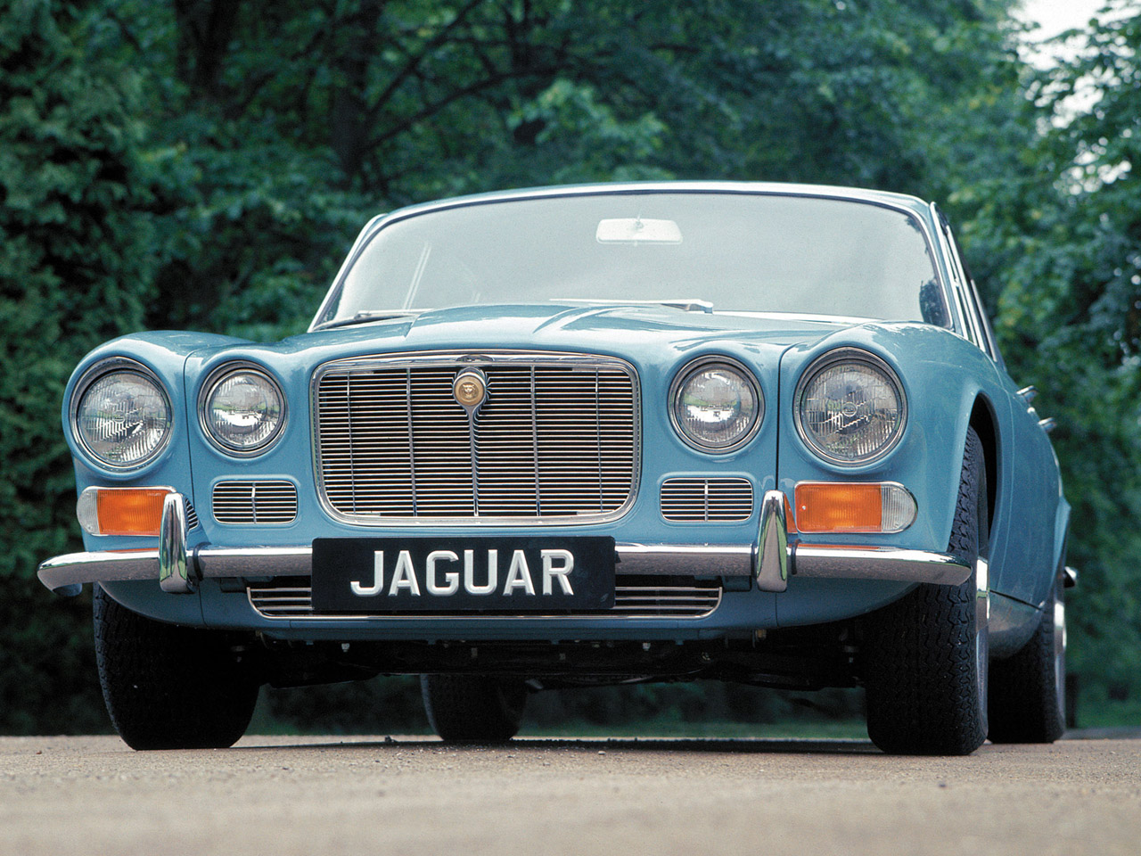 1990 Jaguar Xj-series #13