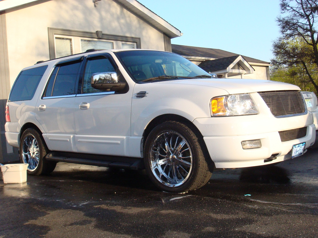 2004 Ford Expedition #6