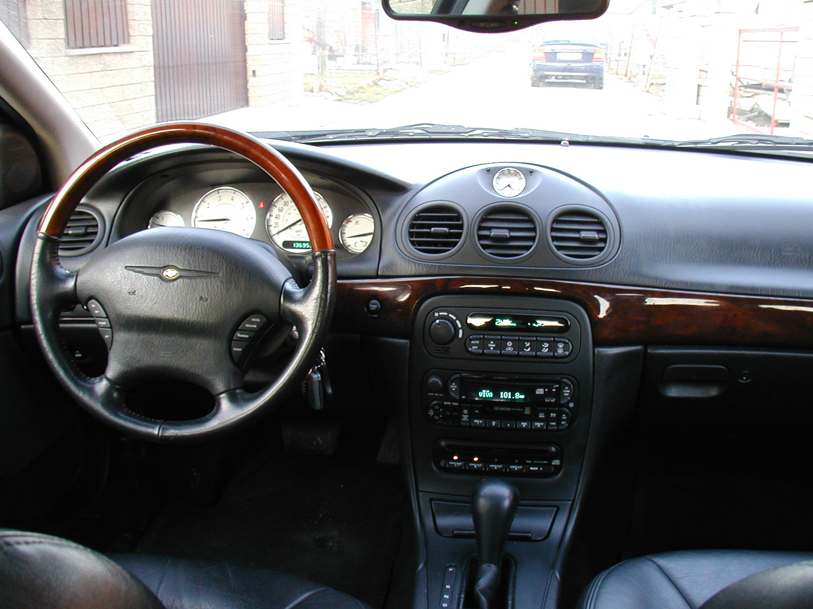 2002 Chrysler 300m #9
