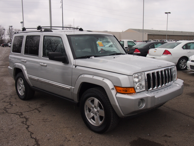 2008 Jeep Commander #2