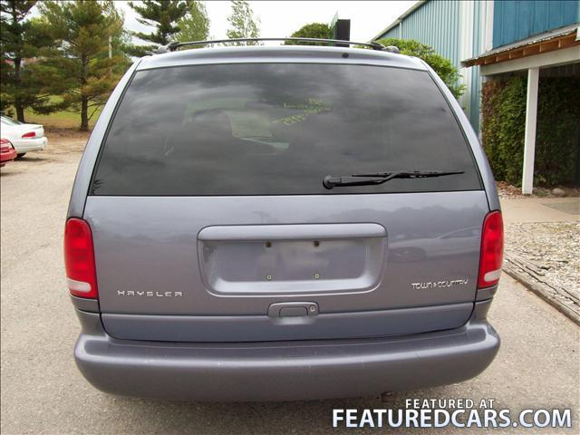 1998 Chrysler Town And Country #13