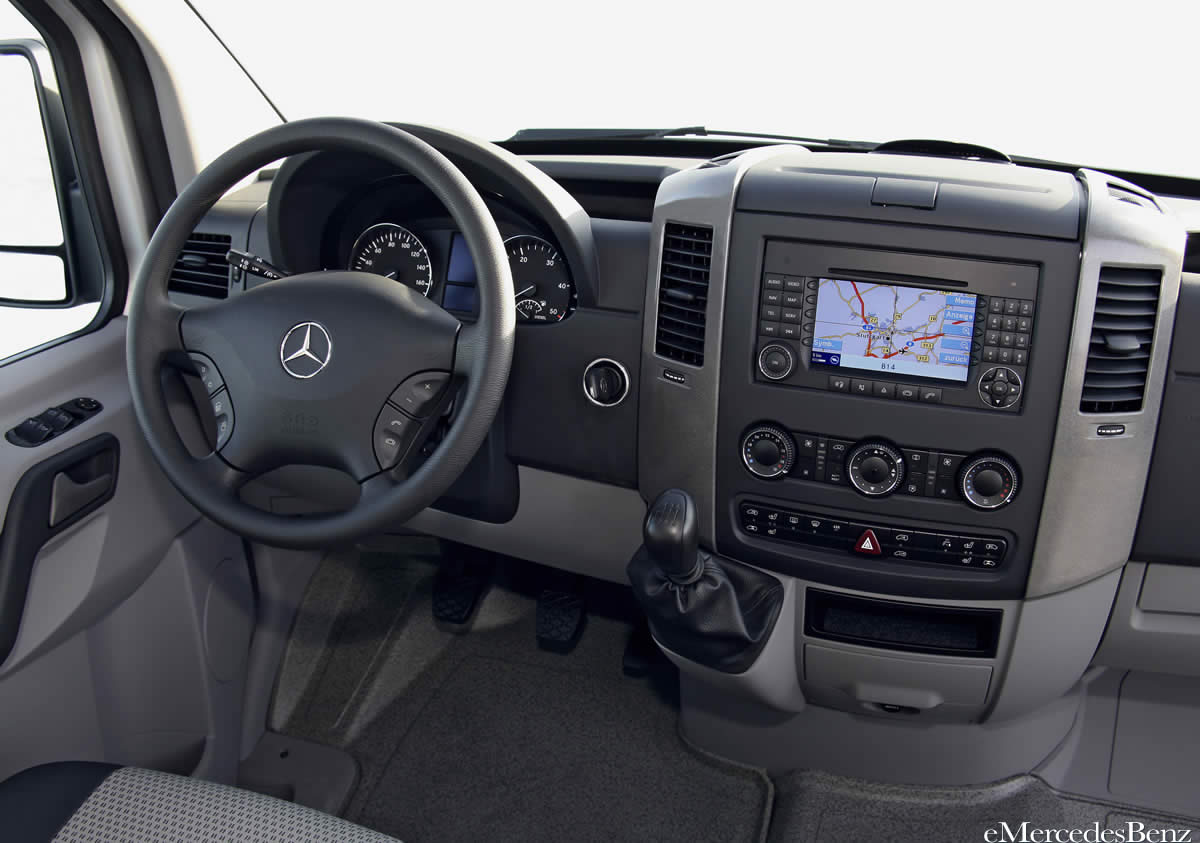 2010 Mercedes-Benz Sprinter #17