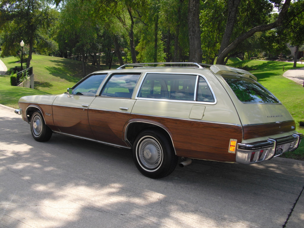 1974 Oldsmobile Vista Cruiser #10