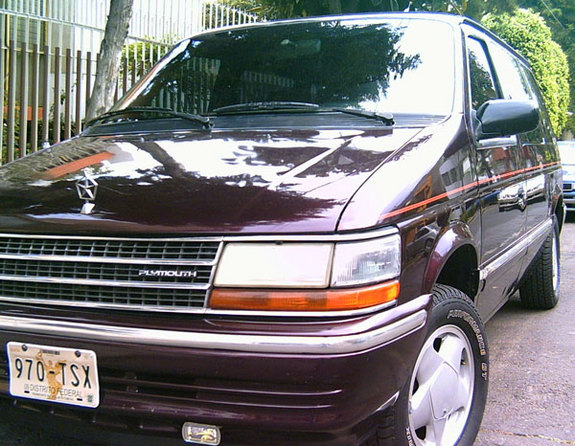 1993 Plymouth Grand Voyager #12